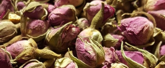 dried roses for rose tea