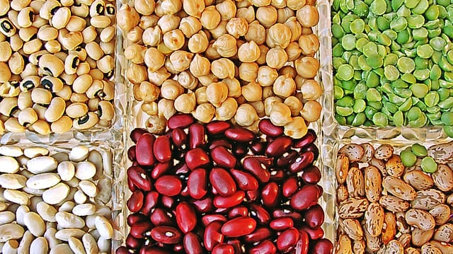 Chickpeas are legumes