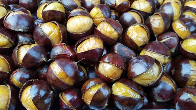 cooked roasted chestnuts